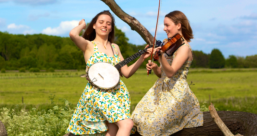 The Carrivick Sisters at Shammick Acoustic